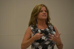 Kim Thomas, Illinois Teacher of the Year, speaks to Kappa Delta Pi members